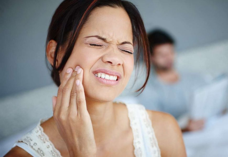Broken or dislocated jaw: Causes, symptoms, and treatment