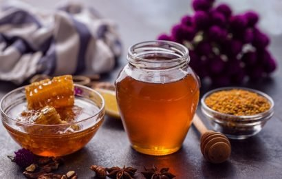 The daily glass of honey water helps with weight loss, as well as for countless diseases