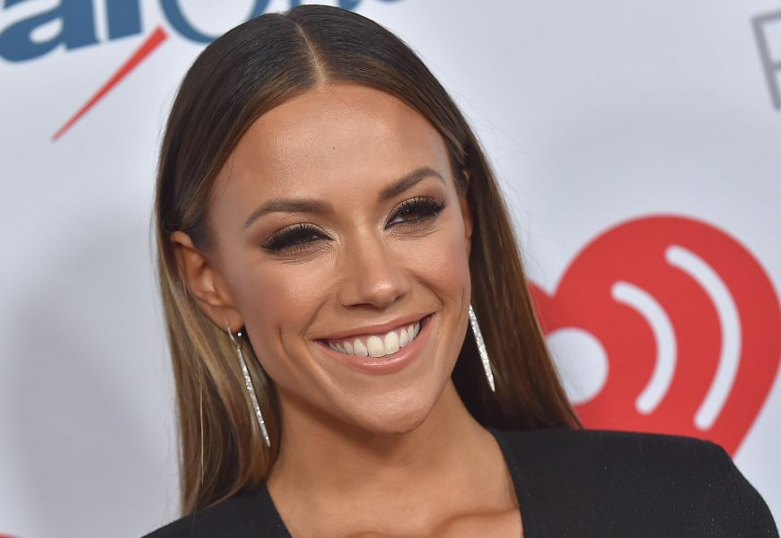 Mom-Shamers Are After Jana Kramer Because… of a Toddler Tantrum?