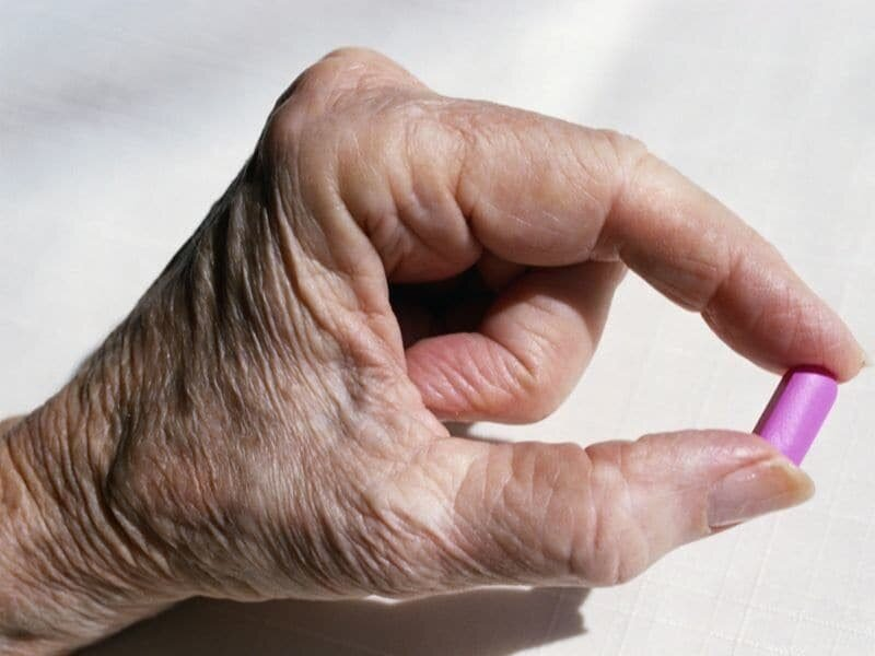 Risks, benefits of long-term drug therapy for osteoporosis reviewed