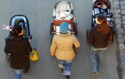 New WHO guidelines: babies should not be longer than an hour in the stroller