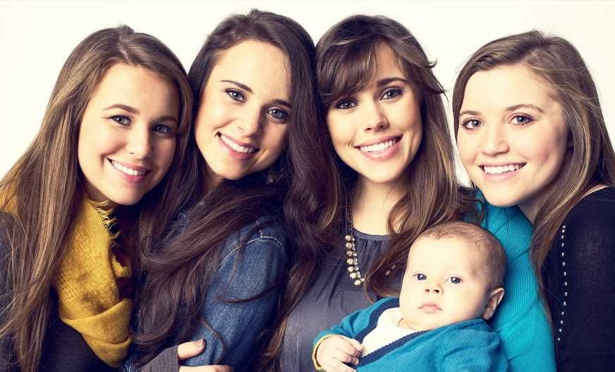 5 Pregnant Duggar Sisters Pose in Baby Bump Pic: Joy-Anna, Jessa and More!