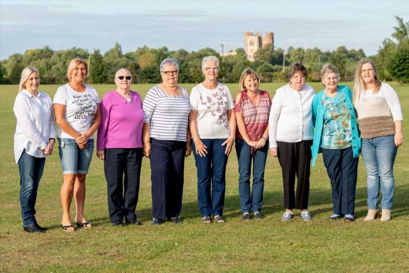 10 breast cancer survivors in same family celebrate being disease-free