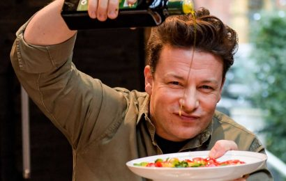 Jamie Oliver Lost 26 Pounds By Making 2 Changes