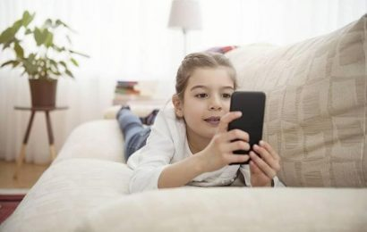 Startling Figures: A quarter of all young people and Smartphone-addicted