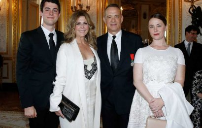 Tom Hanks Talks Becoming a 'Very Young' Dad at Age 21 – and How Kids' Lives Were All 'Different'