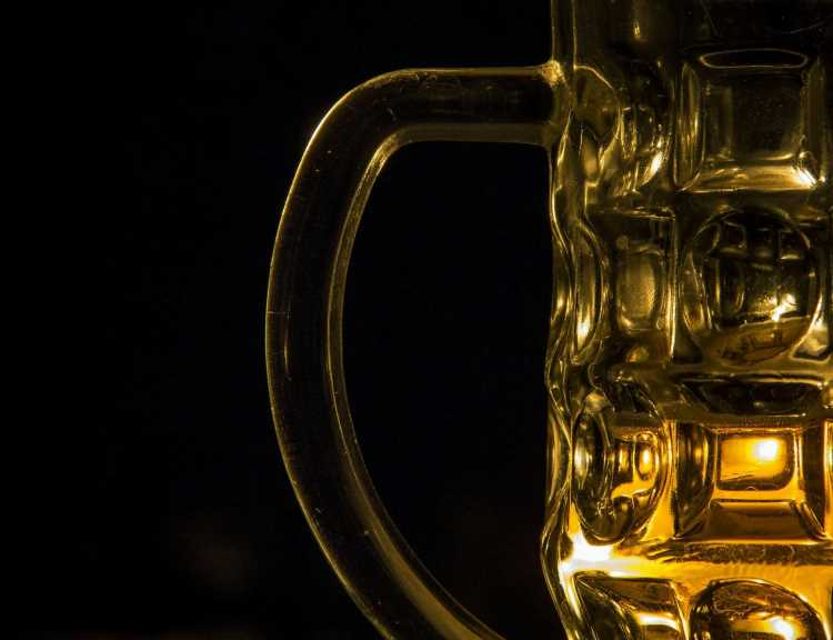 A nimbler way to track alcohol use—by mining Twitter and Google searches