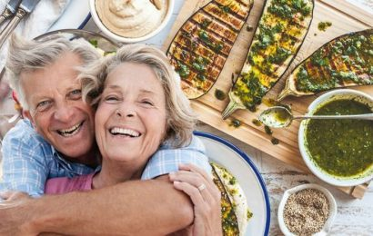 How to live longer: Follow this specific diet to lower your risk of early death