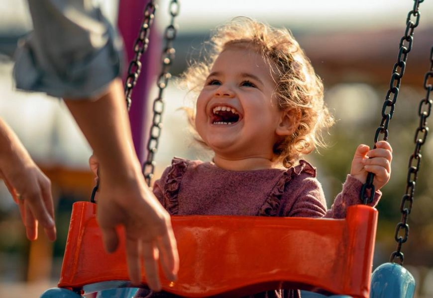 Many viruses, hardly any symptoms: What is the role of children in the Corona-Transfer play