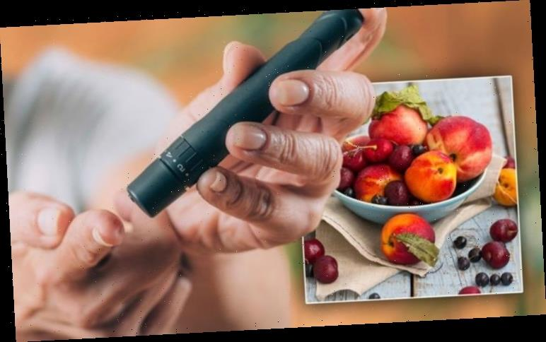 The 'diabetes superfood' fruit to protect against high blood sugar symptoms at home
