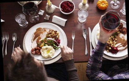 With COVID Surging 'We Have to Modify' Plans This Thanksgiving, Says Infectious Disease Expert