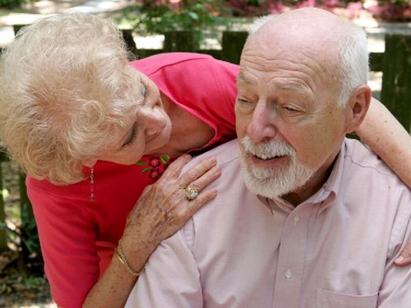 COVID vaccine advised for Alzheimer's patients and their caregivers