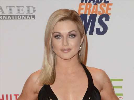 Lindsay Arnold Gets Candid About Her Breastfeeding Pain