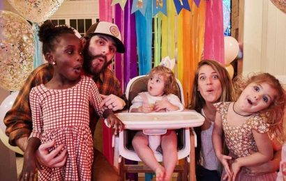Lauren Akins and Thomas Rhett Snap Silly Family Photo While Celebrating Lennon's First Birthday