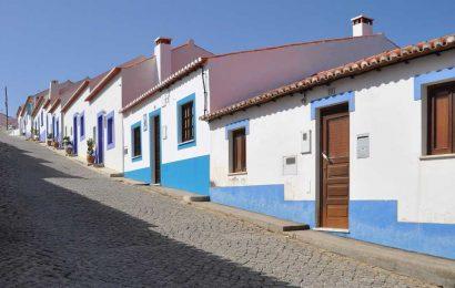 Portugal begins gradual easing of lockdown