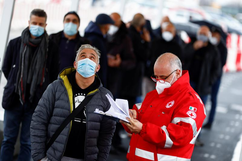 Italy aims to vaccinate at least 80% of population by end of September