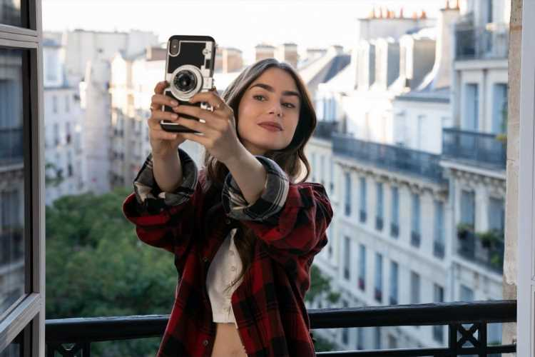 Poparazzi: The App With A Social Conscience Is Taking A Stand Against Selfies