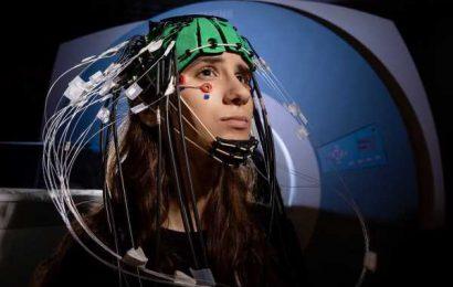 Combining three techniques boosts brain-imaging precision