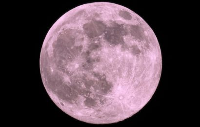Why Thursday's Full Strawberry Supermoon in Capricorn Is So Important