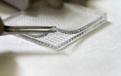 Microneedles that pierce biofilm for more effective topical delivery of antibiotics to infected wounds