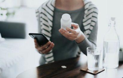 Antiviral pill halves deaths from Covid