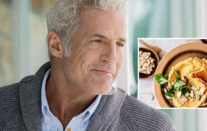 Dementia: The snack to eat in middle age onwards to reduce your risk of dementia later on